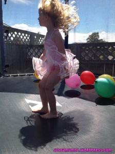 Easy Trampoline Balloons
