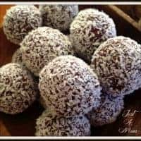 Cranberry, Date & Cashew Bliss Balls