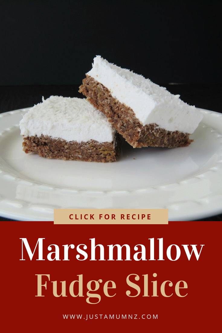 Everyone will love this recipe for Marshmallow Slice, the kids, grandma, you! Such a simple recipe, using a chocolate weetbix base and homemade marshmallow. Lots of ideas, easy recipes and the best baking. #marshmallow #baking #slice #weetbix #recipe