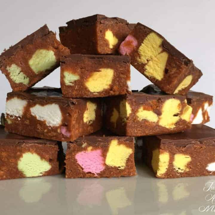 No-Bake Candy Slice