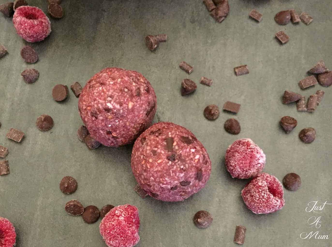 raspberry-chocolate-bliss-balls-5