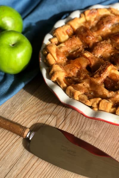 Delicious Caramel Apple Pie Recipe