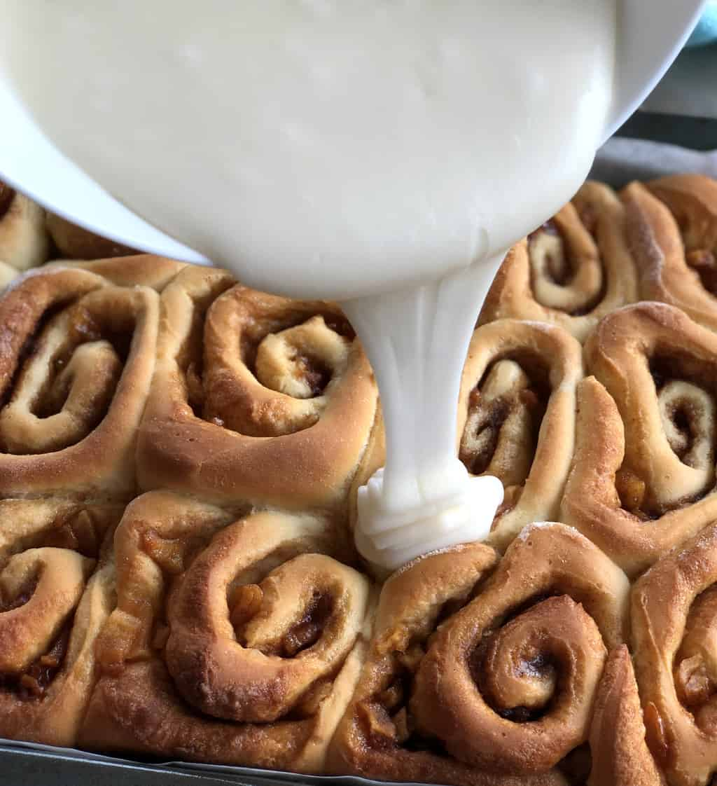 Vanilla Glaze Frosting for Apple Pie Rolls