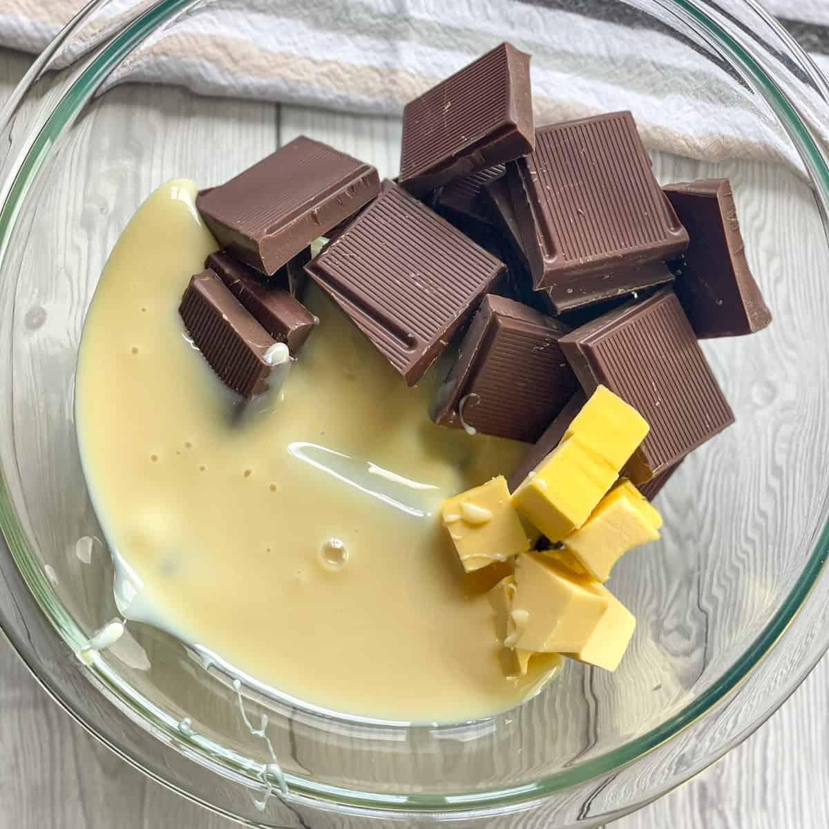 Ingredients to make 5 minute fudge in a bowl