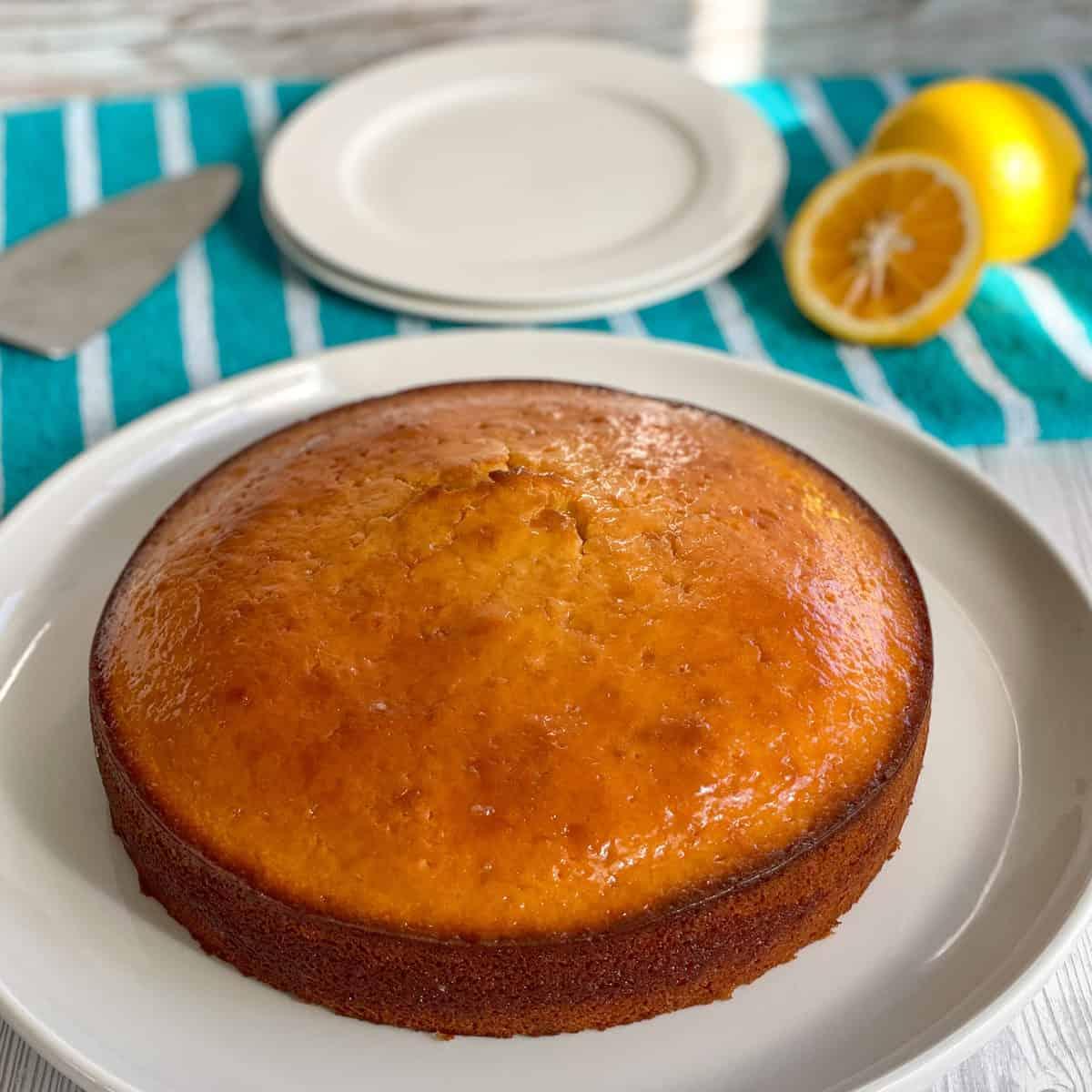 Finished lemon syrup cake